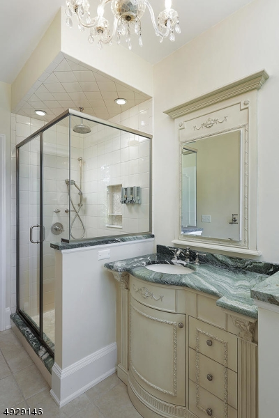 Additional photo for property listing at  Westfield, New Jersey 07090 Vereinigte Staaten