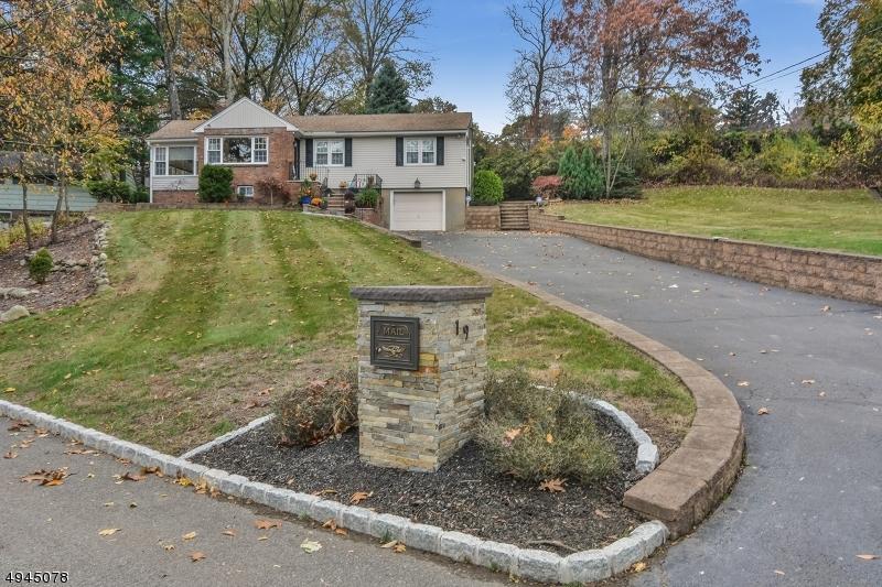 Single Family Homes pour l Vente à Hawthorne, New Jersey 07506 États-Unis