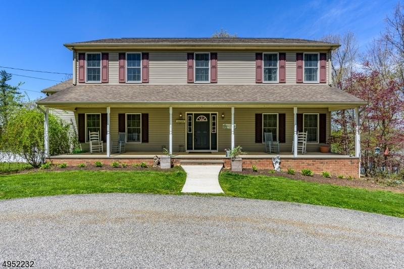 Single Family Homes 为 销售 在 阿灵顿山, 新泽西州 07856 美国