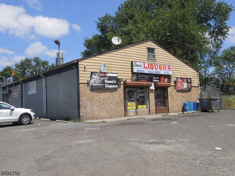 Commercial for Sale at Paterson, New Jersey 07522 United States