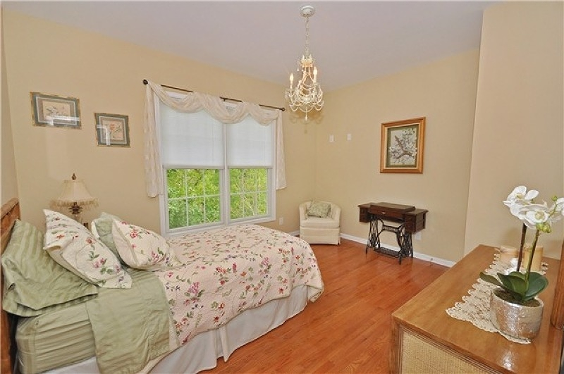 Additional photo for property listing at 47 Continental Circle  Totowa Boro, New Jersey 07512 United States