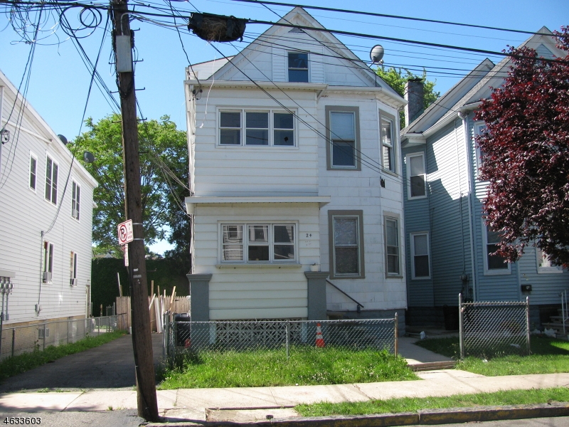 Additional photo for property listing at 24-26 KNICKERBOCKER Avenue  Paterson, New Jersey 07503 États-Unis