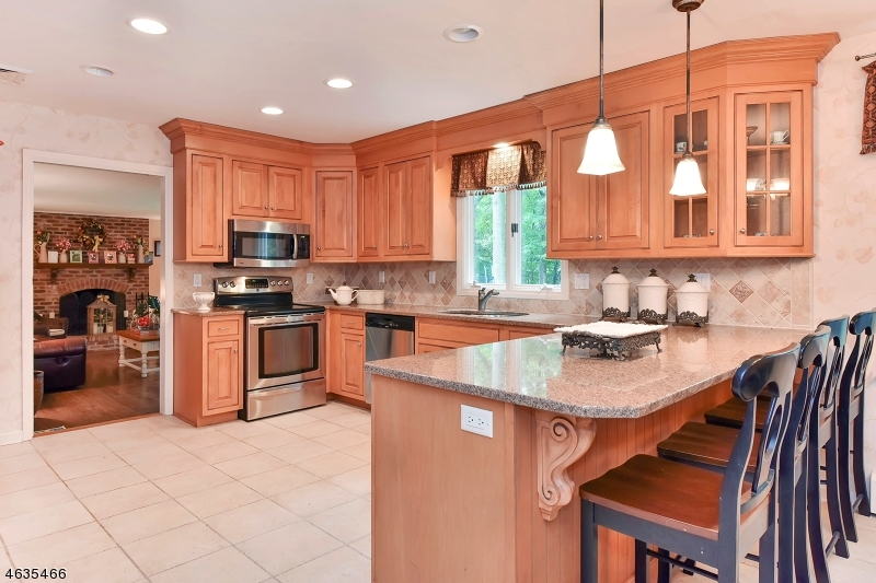 Additional photo for property listing at 217 Fox Hollow Road  Wyckoff, Nueva Jersey 07481 Estados Unidos