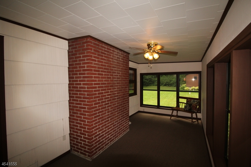 Additional photo for property listing at 94 Lakeside Dr N  Belvidere, Nueva Jersey 07823 Estados Unidos