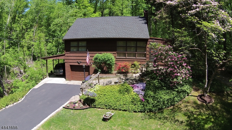 独户住宅 为 销售 在 94 Lakeside Dr N Belvidere, 新泽西州 07823 美国