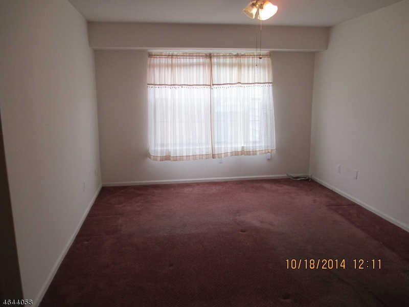 Additional photo for property listing at 660-672 N BROAD Street  Elizabeth, New Jersey 07208 États-Unis