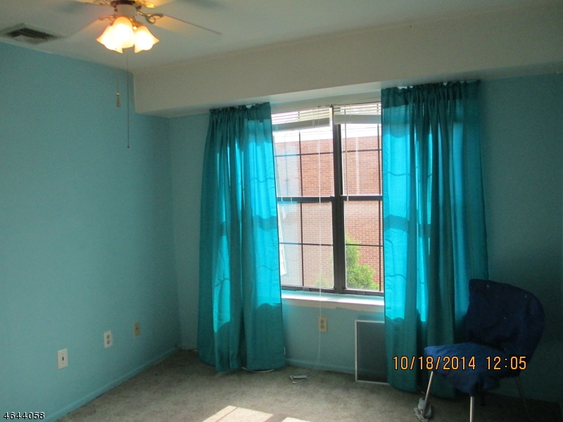 Additional photo for property listing at 660-672 N BROAD Street  Elizabeth, New Jersey 07208 United States