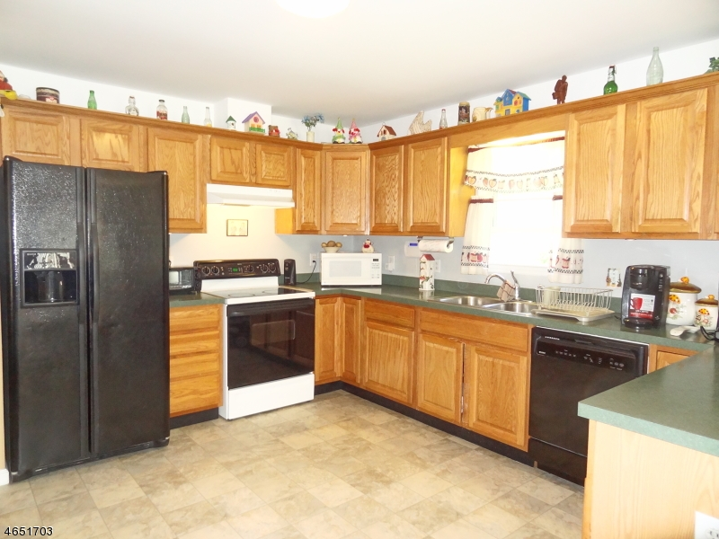 Additional photo for property listing at 429 Aqueduct Road  Highland Lakes, New Jersey 07422 États-Unis