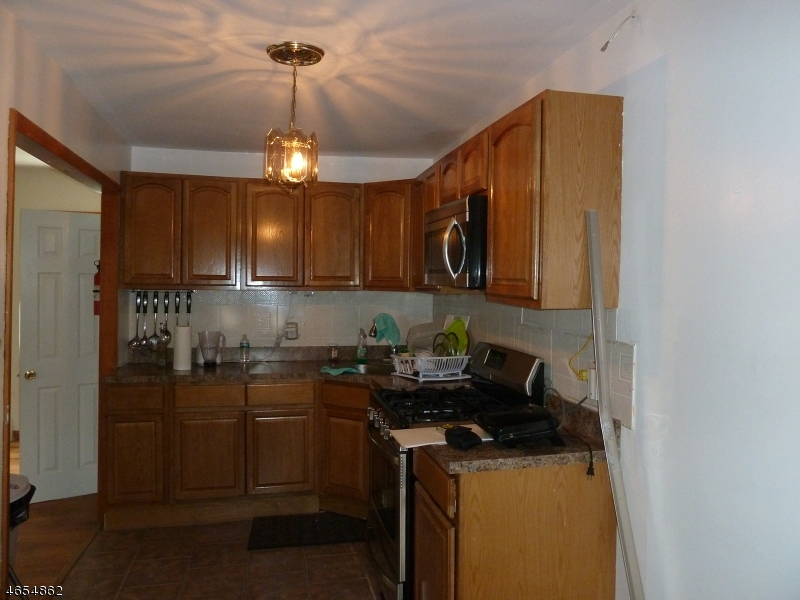 Additional photo for property listing at 18 Martin Luther King J  Newark, Нью-Джерси 07104 Соединенные Штаты