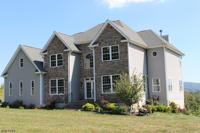 Single Family Home for Sale at 3 Anthony Ct 3 Anthony Ct Hardyston, New Jersey 07419 United States