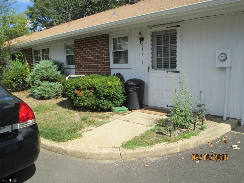 Additional photo for property listing at 836B INVERNESS Court  Lakewood, New Jersey 08701 États-Unis