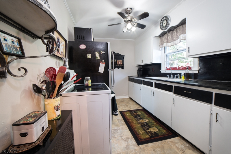 Additional photo for property listing at 46 S Hillside Avenue  Succasunna, New Jersey 07876 United States