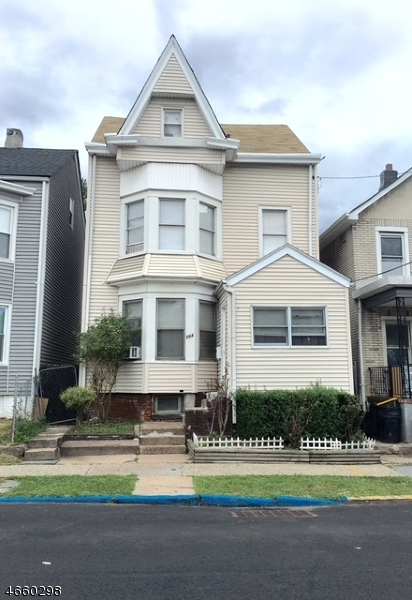 Additional photo for property listing at 564 E 23rd Street  Paterson, 新泽西州 07514 美国