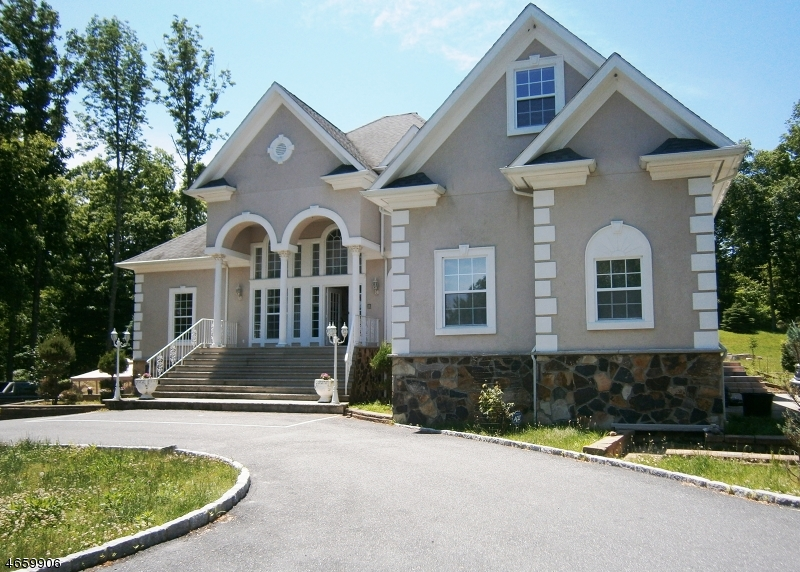 Casa Unifamiliar por un Venta en 156 Cork Hill Road Franklin, Nueva Jersey 07416 Estados Unidos