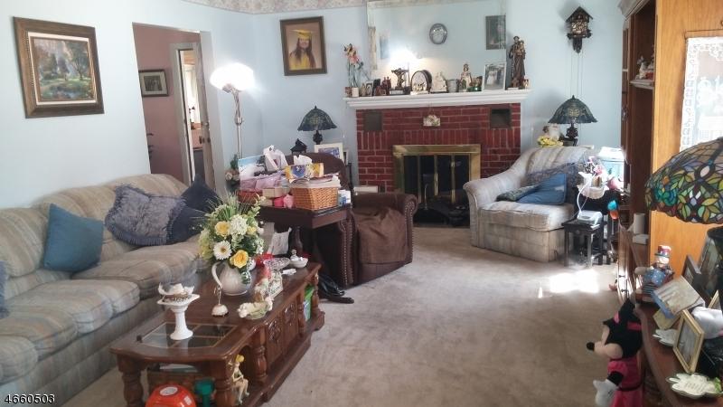 Additional photo for property listing at 29 Moore Ter  West Orange, Нью-Джерси 07052 Соединенные Штаты