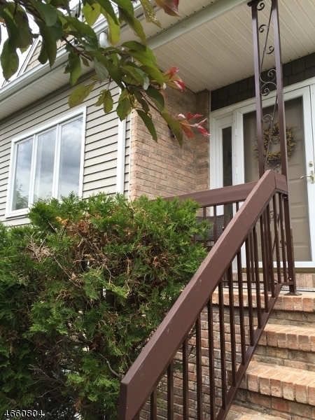 Additional photo for property listing at 76 Averell Drive  Morris Plains, New Jersey 07950 United States