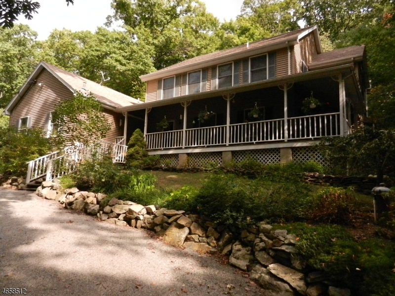 Single Family Home for Sale at 108 Glen Road Highland Lakes, 07422 United States
