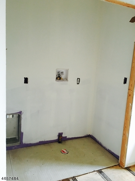 Additional photo for property listing at 25 Hobart Place  Totowa Boro, New Jersey 07512 États-Unis