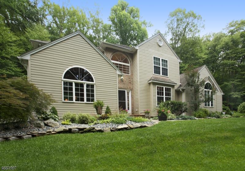 Casa Unifamiliar por un Venta en 154 Kings Highway Hackettstown, Nueva Jersey 07840 Estados Unidos