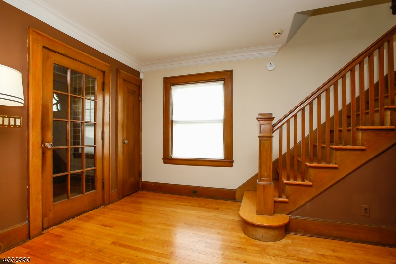 Additional photo for property listing at 54 Yale Street  Maplewood, New Jersey 07040 États-Unis
