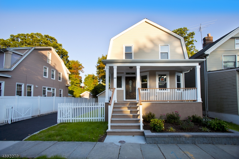 Maison unifamiliale pour l Vente à 188 Brighton Avenue East Orange, New Jersey 07017 États-Unis
