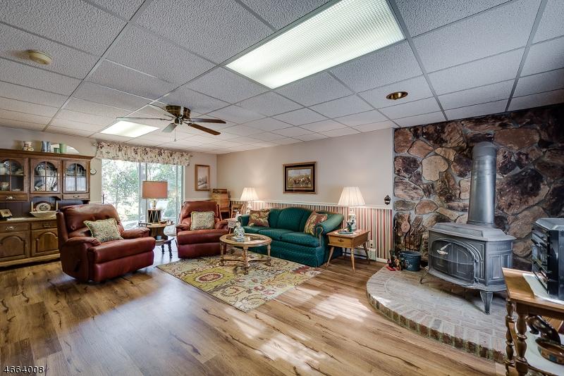 Additional photo for property listing at 9 Manor House Road  Budd Lake, Нью-Джерси 07828 Соединенные Штаты