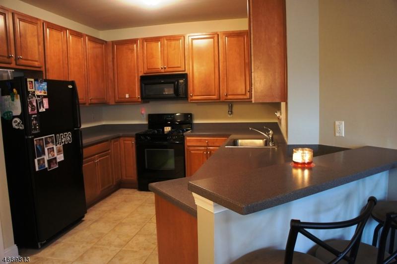 Частный односемейный дом для того Продажа на 1311 Wharton Court Riverdale, 07457 Соединенные Штаты