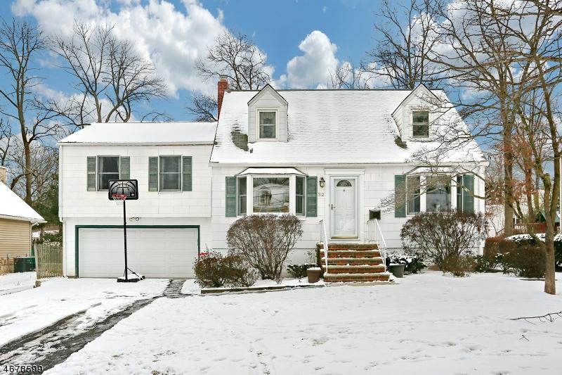Частный односемейный дом для того Продажа на 312 MAPLE Street Ramsey, 07446 Соединенные Штаты