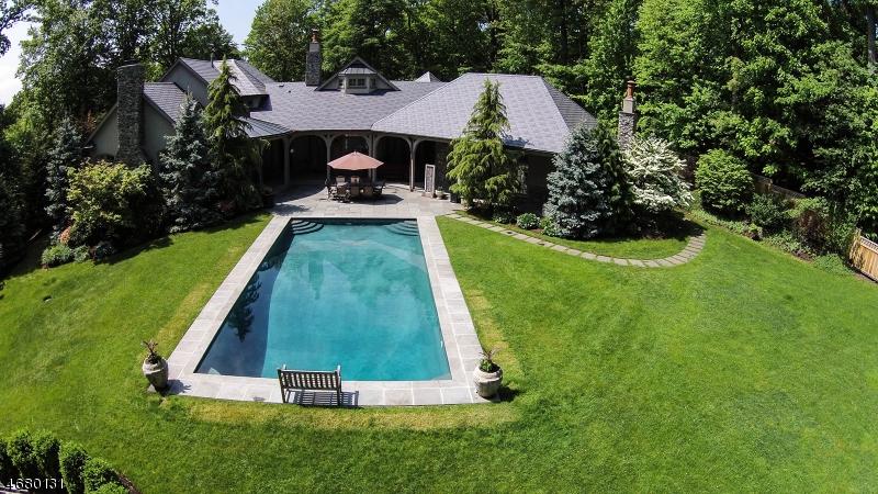 Частный односемейный дом для того Продажа на 20 Elsway Road Short Hills, 07078 Соединенные Штаты