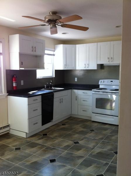 Casa Unifamiliar por un Alquiler en 322 Richard Mine Road Wharton, Nueva Jersey 07885 Estados Unidos
