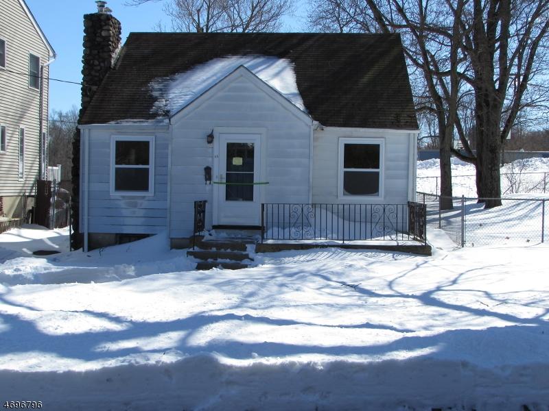 Maison unifamiliale pour l à louer à 65 Glenwood Avenue Lake Hiawatha, New Jersey 07034 États-Unis
