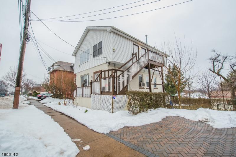 Многосемейный дом для того Продажа на 105 Orient Way Lyndhurst, Нью-Джерси 07071 Соединенные Штаты