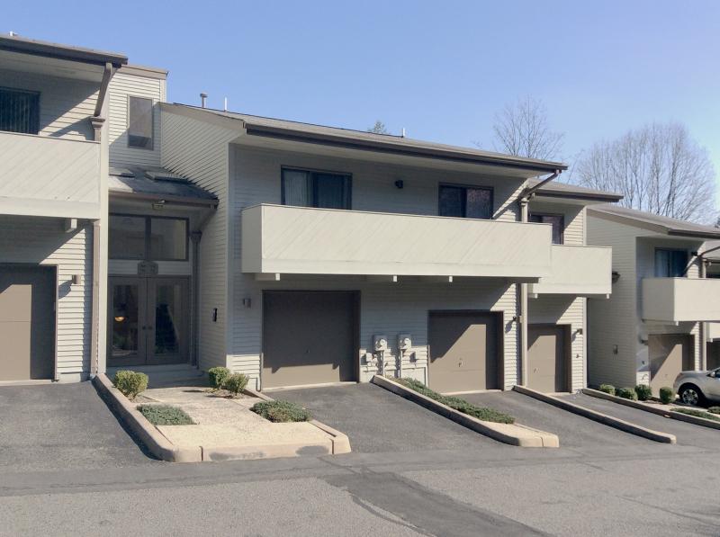 Maison unifamiliale pour l à louer à 64 Adams Ter Clifton, New Jersey 07013 États-Unis