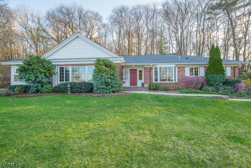 独户住宅 为 销售 在 340 Pompton Avenue 朋普顿雷克, 07442 美国