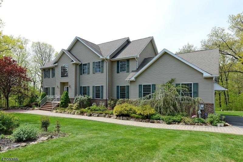 独户住宅 为 销售 在 9 Valhalla Way Rockaway, 07866 美国