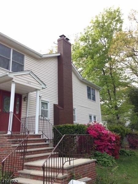 Maison unifamiliale pour l Vente à 145 Oakwood Drive Wayne, New Jersey 07470 États-Unis