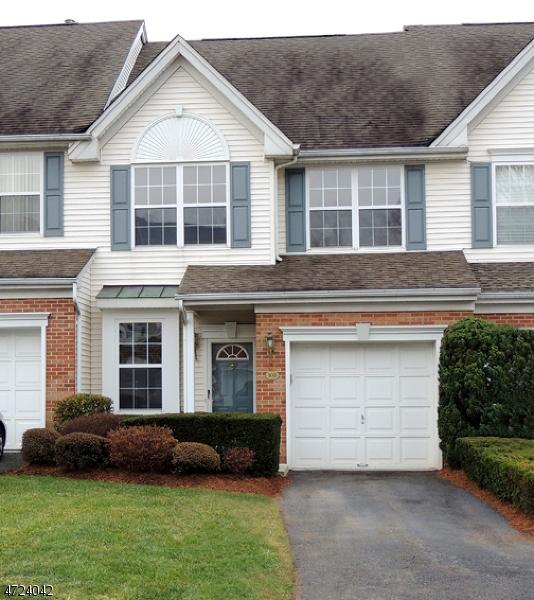 Maison unifamiliale pour l à louer à 108 Barclay Drive Nutley, New Jersey 07110 États-Unis