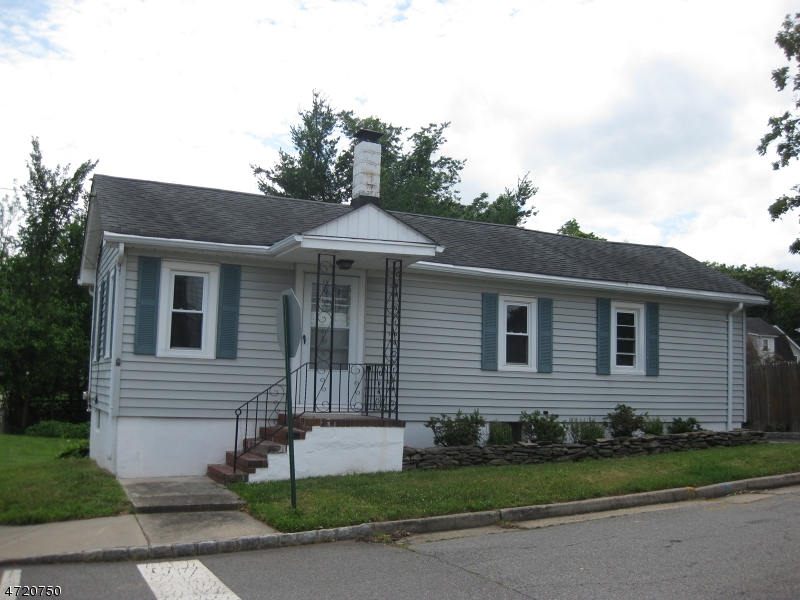 Single Family Home for Sale at 230 Maple Avenue South Bound Brook, New Jersey 08880 United States