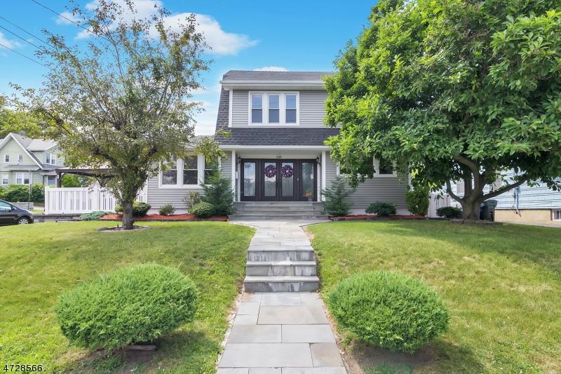 Частный односемейный дом для того Аренда на 250 Orient Way Rutherford, Нью-Джерси 07070 Соединенные Штаты