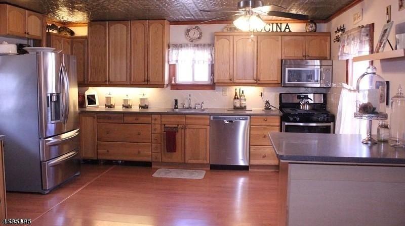 Single Family Home for Sale at 108 Hamburg Tpke 108 Hamburg Tpke Bloomingdale, New Jersey 07403 United States