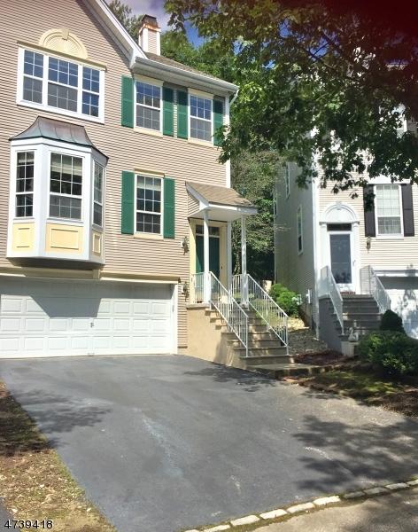 Maison unifamiliale pour l à louer à 74 Whimble Court Wayne, New Jersey 07470 États-Unis