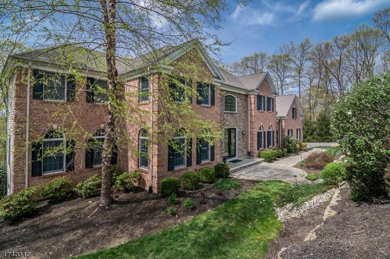 Частный односемейный дом для того Аренда на 11 JULIANNE WAY Randolph, Нью-Джерси 07869 Соединенные Штаты