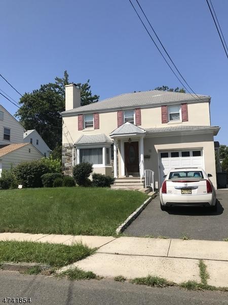 Vivienda unifamiliar por un Venta en 130-132 HALSTED Road Elizabeth, Nueva Jersey 07208 Estados Unidos
