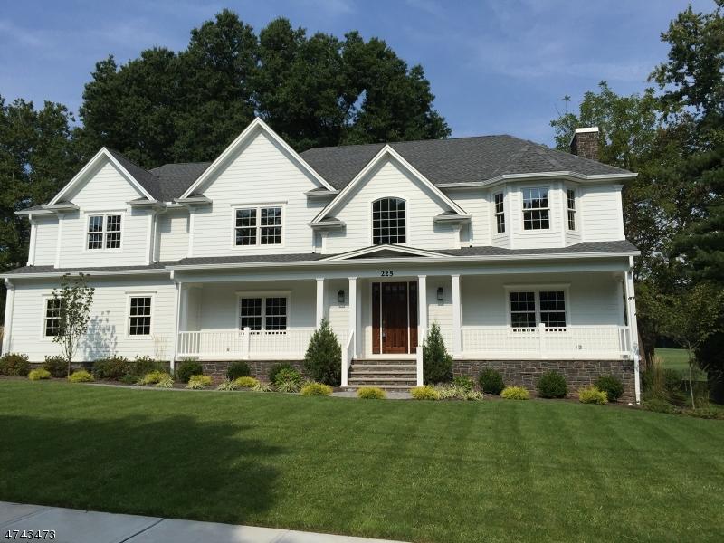 独户住宅 为 销售 在 225 Golf Edge Drive 韦斯特菲尔德, 新泽西州 07090 美国