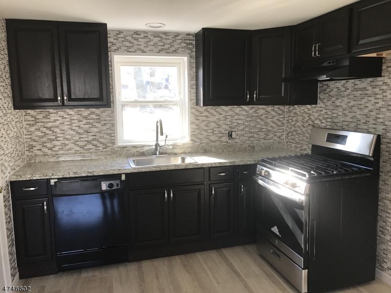 独户住宅 为 出租 在 29 Hilton Street Belleville, 新泽西州 07109 美国