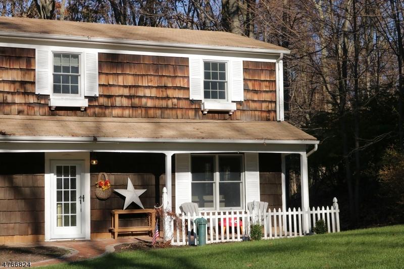 Maison unifamiliale pour l Vente à 11 Crestwood Drive Randolph, New Jersey 07869 États-Unis