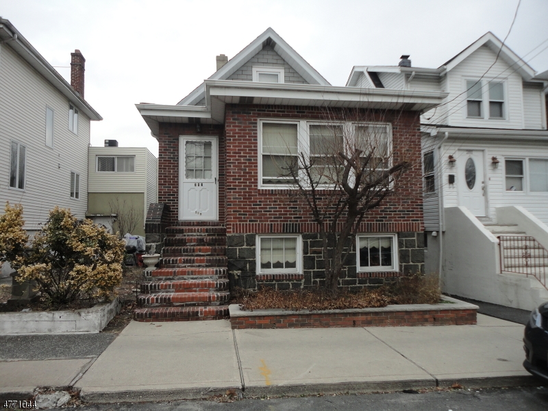 Single Family Home for Sale at 283 Franklin Avenue 283 Franklin Avenue Cliffside Park, New Jersey 07010 United States