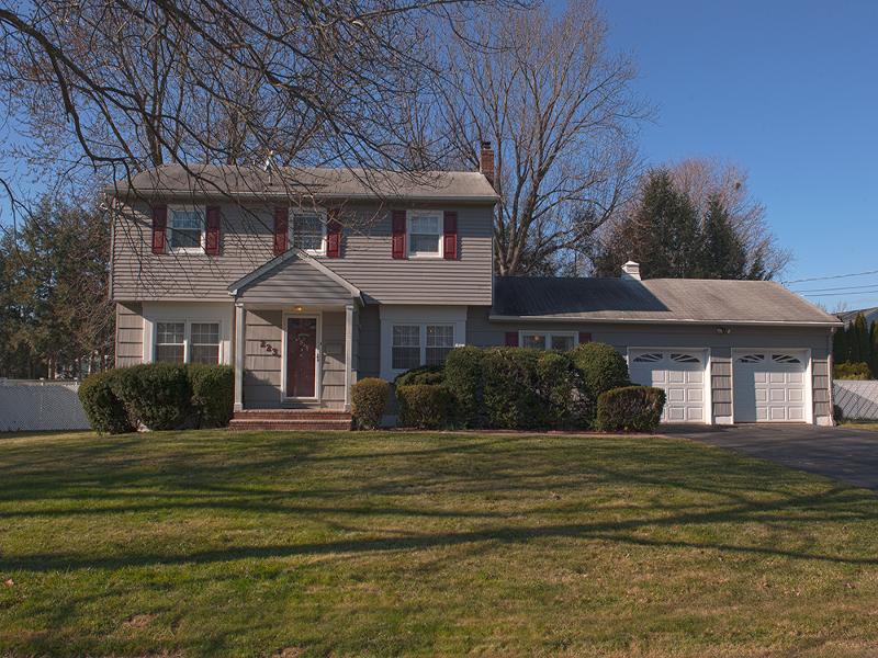 Maison unifamiliale pour l à louer à 223 Andover Drive Wayne, New Jersey 07470 États-Unis