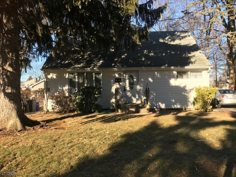Single Family Home for Sale at 34 SPRUCE Street Midland Park, New Jersey 07432 United States