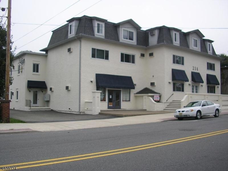 Casa Unifamiliar por un Alquiler en 234 Main Street Butler, Nueva Jersey 07405 Estados Unidos